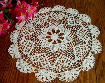 Round Crochet Doily Ivory Hand Crocheted Lace Centerpiece Doily Vintage Table Linens