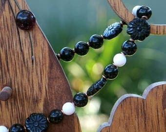 Carved Onyx Flower Beads with Shell and Copper
