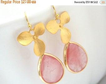 SALE Coral Earrings, Peach, Pink, Gold Orchid Flower Earrings, Glass Earrings, Flower, Wedding Jewelry, Bridesmaid Earrings, Bridesmaid Gift