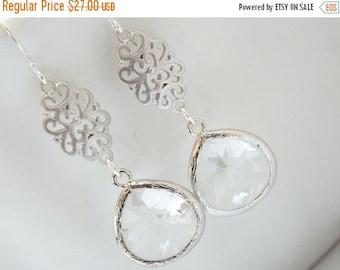 SALE Clear Earrings, Dangle, Drop, Glass Earrings, Crystal, Silver, Wedding Jewelry, Bridal Earrings, Bridesmaid Earrings, Bridesmaid Gift