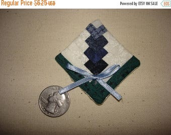 20 % off thru 8/20 Miniature log cabin quilt TEXAS BLUEBONNET wildflower pin flower