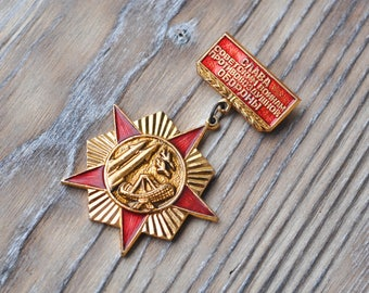 "Vintage Soviet Russian badge,pin,medal.""Glory to the Soviet Air Defense Forces"""