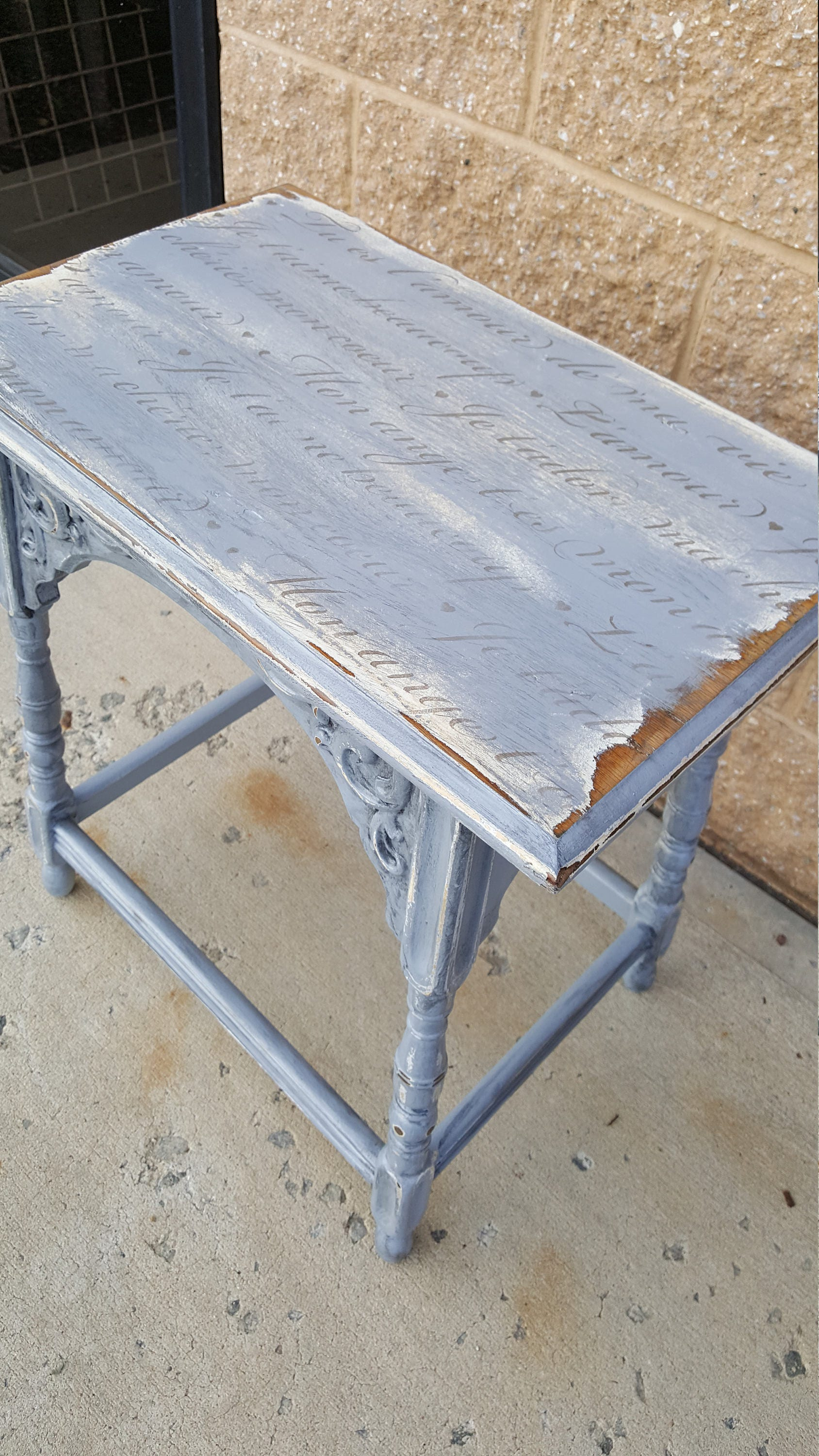 PICK UP ONLY Vintage Farmhouse Shabby chic table french image