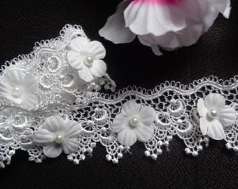 1 3/4 inch wide Flower Pearl Lace Edge Trim price per yard