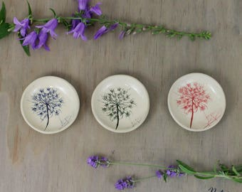 Tiny ceramic bowl | Ring dish | Tea bag holder | Plant imprint on stoneware clay | Botanical print of Queen Ann's Lace