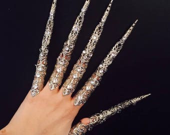 Iron witch claws,claw rings,crystal nail guards,full finger rings,nail tips,vintage style filigree,silver color and clear crystals,5pcs.