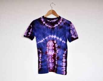 NOS Vintage Designer Plum and Indigo Tie Dye Batik T Shirt