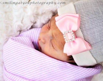 First Bow Newborn Hospital Hat White Bow tie Bow (newborn girl hat, newborn beanie, newborn hospital hat with bow, first bow)