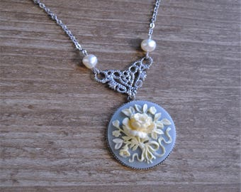 Vintage cameo necklace.Victorian flower cameo necklace.Double-sided pendant