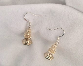 Vintage articulated silver Pagoda dangling earrings.