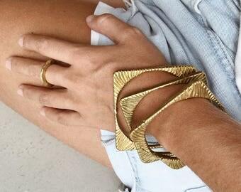 Adrie bracelet- Brass Cast Geometric Bangle