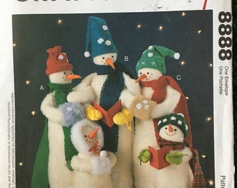 McCalls Crafts Snow Carolers Snowman Stuffed Plush Christmas Sewing Pattern 8888 UC FF