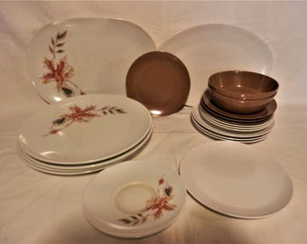 Texas Ware Dishes 20 Piece Set Service for Four Leaf Pattern 1960's Vintage