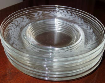 """8 CUT WHEAT PLATES 8"""" Crystal Cut Etched Dessert Luncheon Salad Glass Set Eight 1940's Excellent Condition"""