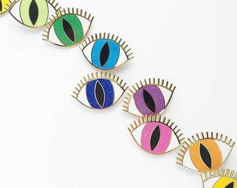 MAGIC EYE BROOCH - choose your color