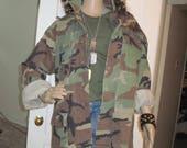 Camo Jacket/Camo Jacket/Military Jacket// military camouflage heavy duty shirt  size LARGE Regular