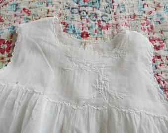 Vintage Antique french dress for baby girl or doll, White cotton, 1930-1940, Embroidery, France, Vêtement poupée bébé fille