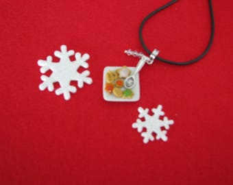 206 ref Christmas cookies plate necklace