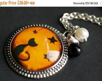 SUMMER SALE Halloween Necklace. Black Cat Necklace with Black Teardrop and Fresh Water Pearl. Orange Necklace. Halloween Cat Necklace. Handm