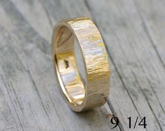 14k gold hammered wedding band,size 9 1/4 or custom sizes, #155.