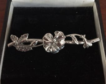 FREE SHIPPING Beautiful Vintage Ornate Floral Art Nouveau Style White Metal Brooch