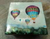 Trinket box with lid of Capisi Shell/ hot air baloons
