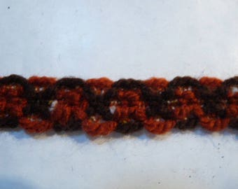 STRIP OF WOOL IN BROWN AND RUST