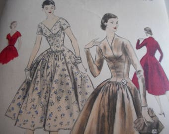 Vintage 1950's Vogue 8764 Dress Sewing Pattern Size 14 Bust 32