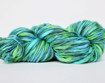 Thick and Thin Yarn, Wool Yarn,  Temptation Tweed Yarn,  Worsted Yarn, Aran Weight yarn, Blanket Yarn, Caribbean Green