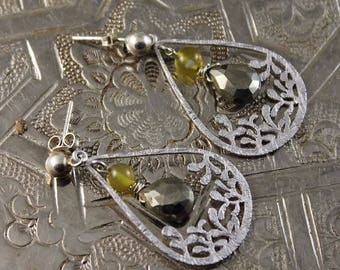 Pyrite and onyx, rhodium and Silver earrings