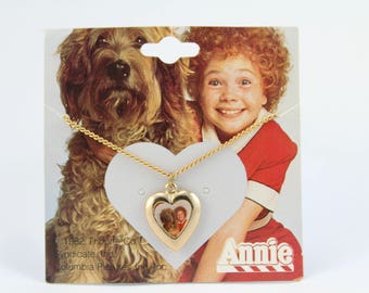 Little Orphan Annie Necklace, New Rare Vintage 1982 Tribune ANNIE HEART  necklace Annie Jewelry Gold tone heart Charm Annie and Sandy 1980s
