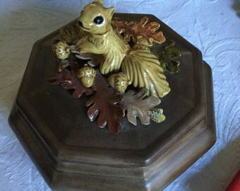 Vintage Handmade and Painted Ceramic Octagonal Squirrel Finial and Leaves Bowl/Dish