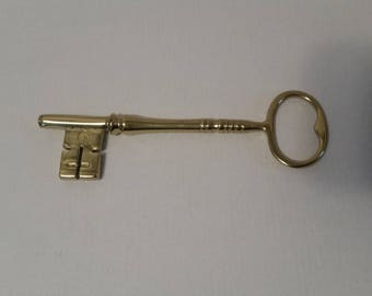 Virginia Metalcrafters Shiny Brass Skeleton Key