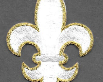 "Fleur De Lis - White & Gold Embroidered Iron On Applique Patch - 2.5"" High"