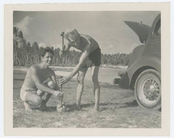 Vintage Snapshot Photo: Tapping a Coconut, c1940s (75582)