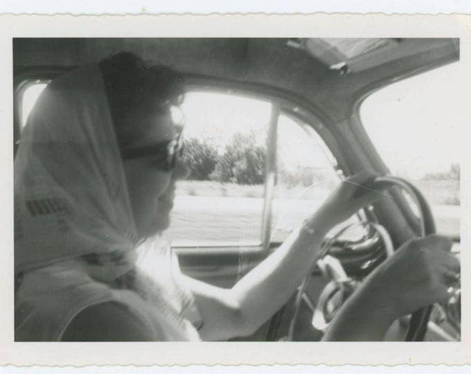 Vintage Snapshot Photo: Woman Driving, c1950s (610506)