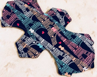 "10"" Moderate Cloth Pad - eiffel tower"