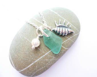 conch shell necklace - sea glass necklace - sea glass jewellery - beach jewellery