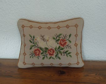Vintage Needlepoint Pillow Throw Cover Doves