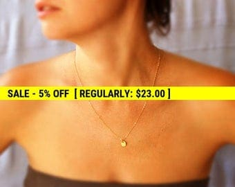Tiny Gold disc necklace, Gold necklace, gold chain, charm necklace, simple necklace, minimalist, everyday necklace, charm