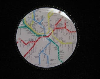 "BROOCH vintage ""Parisian RER"" set in resin on a nickel pin backing - diameter 30 mm"