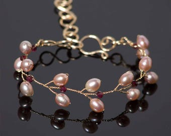 Delicate Gold Bracelet with garnets in 14k gold filled wire | Freshwater pearl bridal jewelry | Red January birthstone