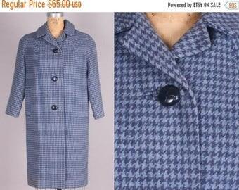 40% SALE 1960s Houndstooth Coat // Blue Woven Jacket // Vintage Outerwear (medium)