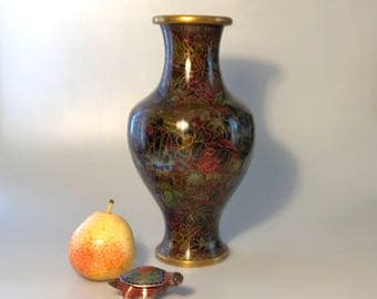 Beautiful antique cloisonné vase in deep purple is very rare