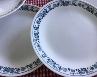 Vintage Corelle Dinnerware * Old Town Blue * Set of 8 Dinner Plates * Pyrex Compatible