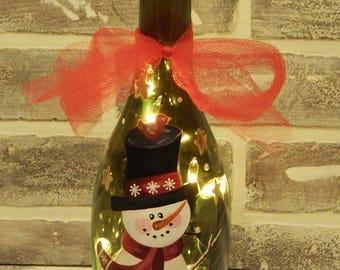 Hand Painted Light Up Snowman Wine Bottle..Hand Painted Wine bottle..Light Up Wine Bottle..Snowman Art..Snowman Decor..Christmas Decor