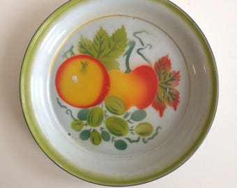 Vintage Painted Round Enamel Tray / Country Kitchen Platter with Fruit Design and Apples