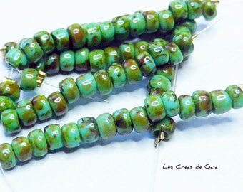 1 x Green 15 picasso seed beads