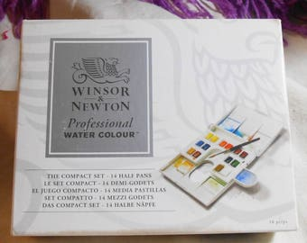 Winsor & Newton Professional Water Color Compact Set New Never Used
