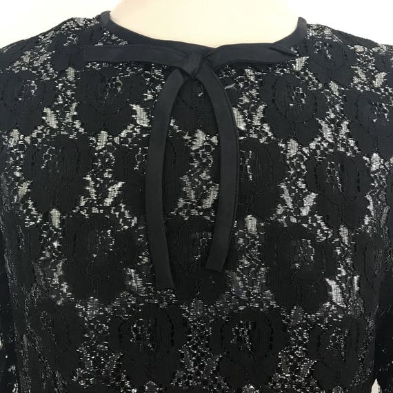 Vintage lace dress plus size silver lamé black lace overlay mini sparkly short dress sheer sleeves 1960s UK 16 18 Mad Men volup sexy bow